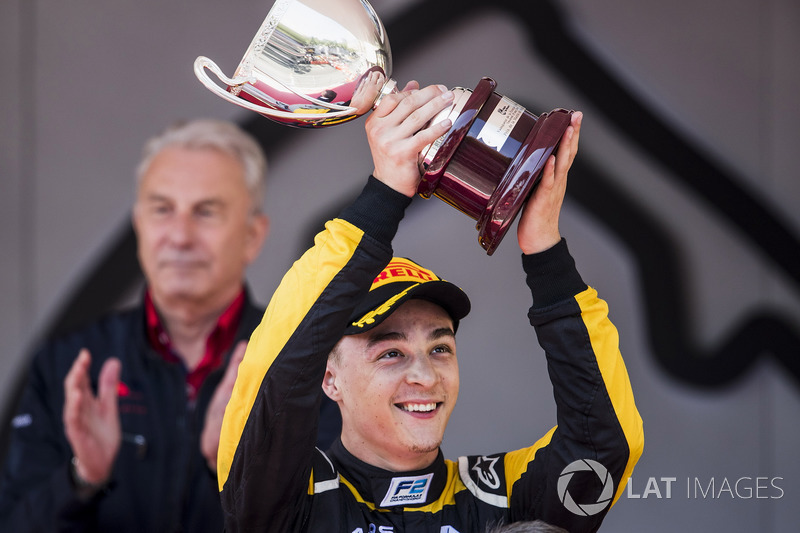 Podium: Race winner Artem Markelov, RUSSIAN TIME