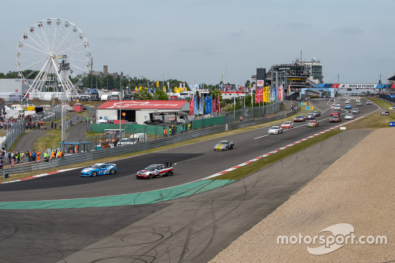 Фолькер Вавер, Ахим Вавер, Роб Томпсон, Proom Racing, Porsche Cayman GT4 Clubsport (№65)