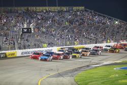 Restart: Kyle Busch, Joe Gibbs Racing Toyota leads