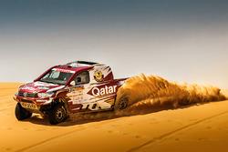 Нассер Аль-Аттия и Матье Бомель, Toyota Hilux