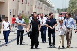 Кристиан Хорнер, руководитель Red Bull Racing и Роберт Френли, руководитель Sahara Force India F1 Te