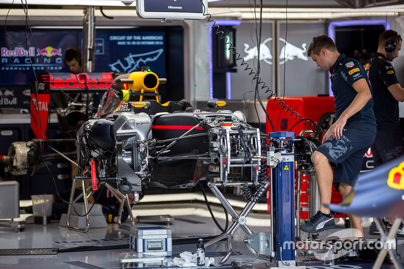 Red Bull Racing RB12 being built