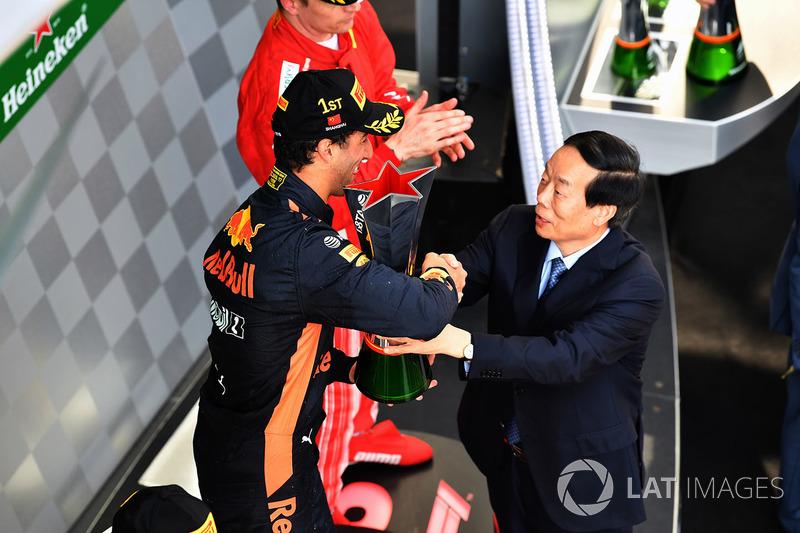 Race winner Daniel Ricciardo, Red Bull Racing on the podium