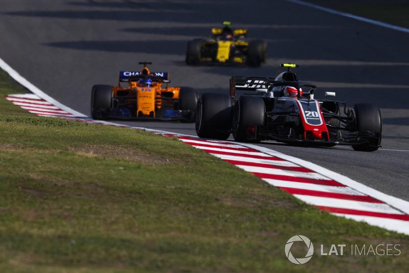 Aksi balap F1 GP Tiongkok