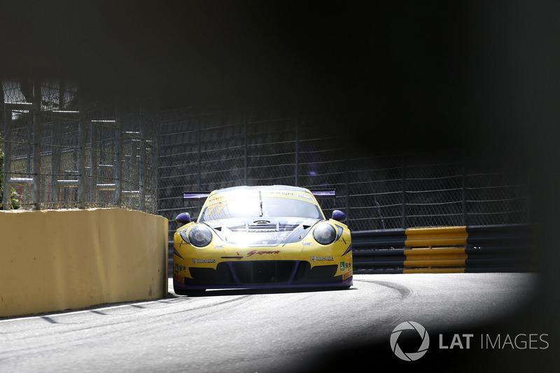 Хироки Йошимото, HubAuto Racing, Porsche 911 GT3R