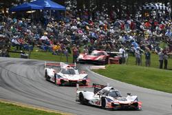 #7 Acura Team Penske Acura DPi, P: Helio Castroneves, Ricky Taylor, #6 Acura Team Penske Acura DPi, P: Dane Cameron, Juan Pablo Montoya