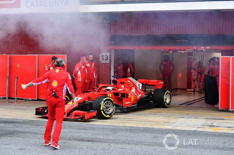 Sebastian Vettel, Ferrari SF71H et de la fumée