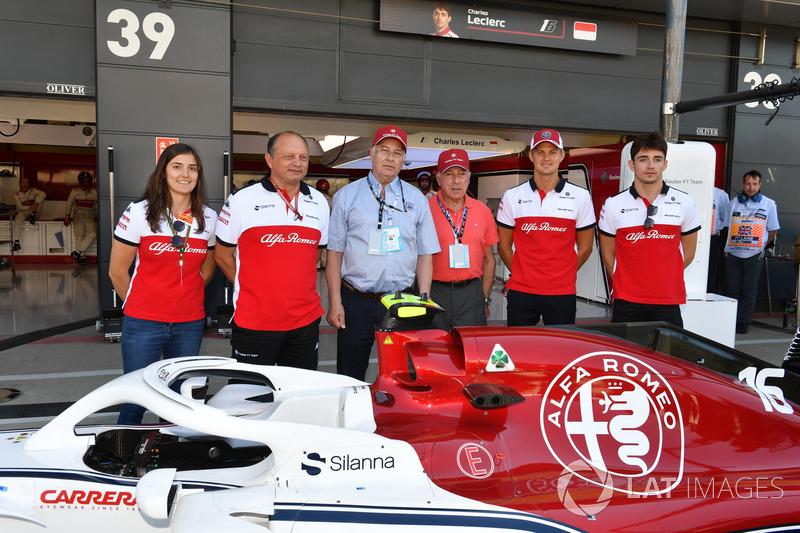Tatiana Calderon, Sauber Test Driver, Frederic Vasseur, Sauber, Team Principal, Marcus Ericsson, Sauber and Charles Leclerc, Sauber with Oscar Fangio, and Ruben Fangio,