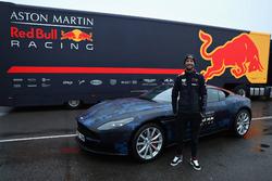 Daniel Ricciardo, Red Bull Racing con una Aston Martin DB11