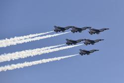 Fly-Over: USAF Thunderbirds