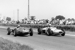 Willy Mairesse, Lotus 21-Climax, e Henry Taylor, Lotus 18/21-Climax