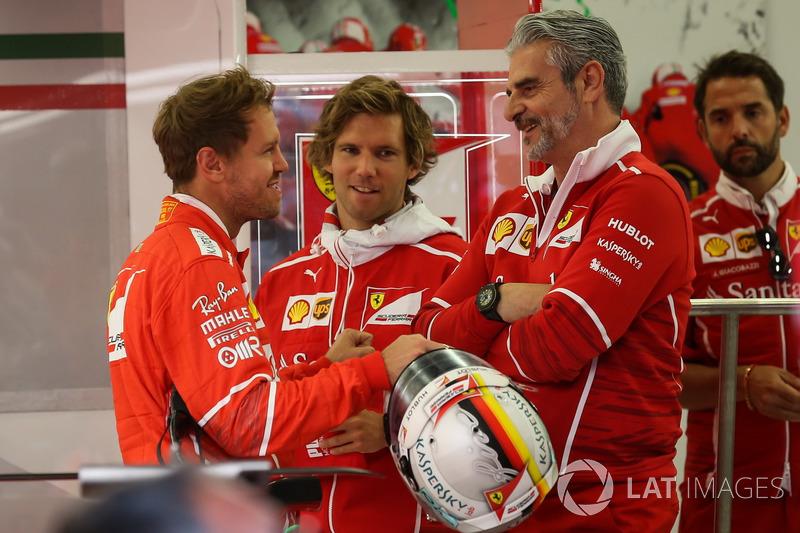 Sebastian Vettel, Ferrari, his trainer Antti Kontsas, Maurizio Arrivabene, Ferrari Team Principal