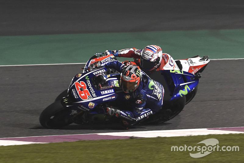 Maverick Viñales, Yamaha Factory Racing überholt  Andrea Dovizioso, Ducati Team