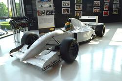 McLaren MP 4/8 von Ayrton Senna und Lamborghini V12-Motor, der 1993 von ihm getestet wurde