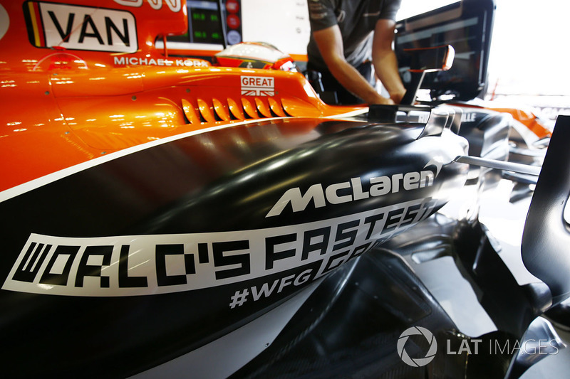 Logo del World Fastest Gamer en el coche de Stoffel Vandoorne, McLaren MCL32