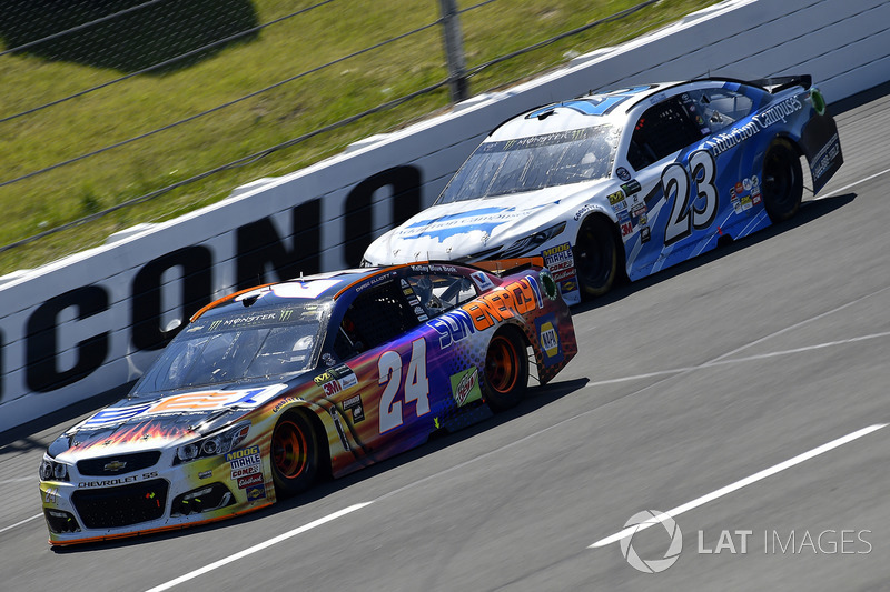 Chase Elliott, Hendrick Motorsports Chevrolet, Gray Gaulding, BK Racing Toyota