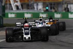 Kevin Magnussen, Haas F1 Team VF-17, Lance Stroll, Williams FW40, Nico Hulkenberg, Renault Sport F1 Team RS17