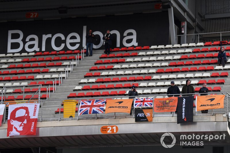 Tifosi McLaren con cartelloni