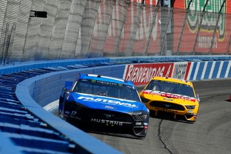 Ricky Stenhouse Jr., Roush Fenway Racing, Ford Mustang Fastenal, Clint Bowyer, Stewart-Haas Racing, Ford Mustang Rush Truck Centers/Haas Automation