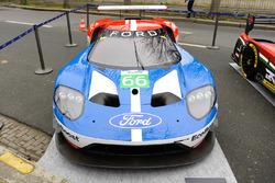 Ford GT in den Straßen von Paris