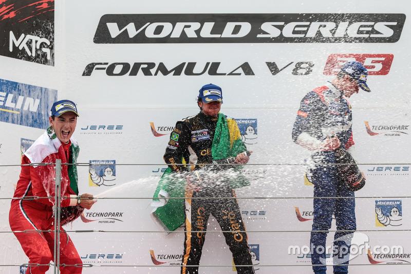 Podium: Ganaddor, Podium: Pietro Fittipaldi, Lotus , segundo, Podium: Alfonso Celis Jr., Fortec Motorsport, tercero, Egor Orudzhev, SMP Racing by AV