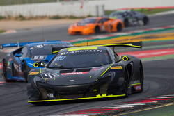 #42 Strakka Racing McLaren 650S GT3: Lewis Williamson, Nick Leventis, David Fumanelli
