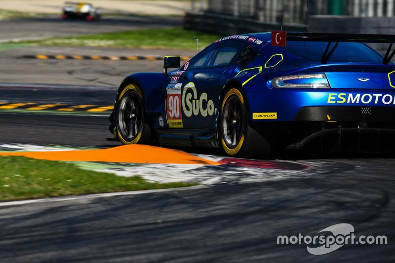 #90 TF Sport, Aston Martin V8 Vantage: Salih Yoluc, Euan Hankey, Nicki Thiim, Robert Bell