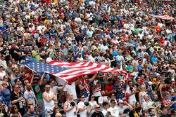 NASCAR-Fans mit USA-Flagge