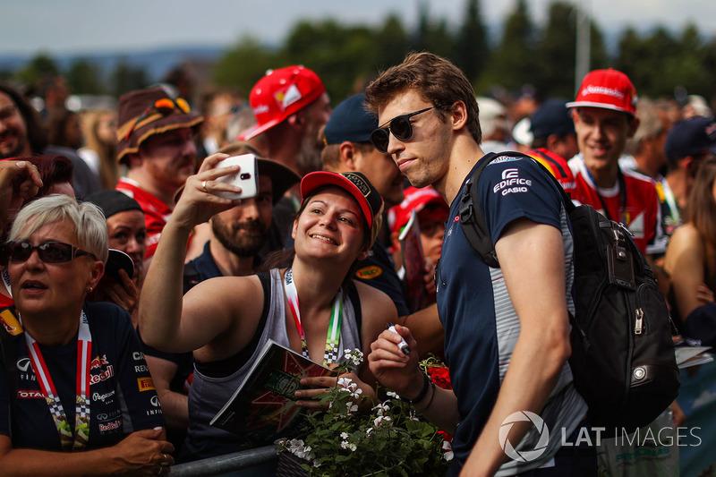 Данііл Квят, Scuderia Toro Rosso, уболівальники