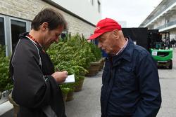 Michael Schmidt, Haberci ve Niki Lauda, Mercedes AMG F1 Fahri Direktörü