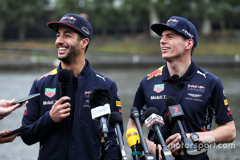 Daniel Ricciardo, Red Bull Racing; Max Verstappen, Red Bull Racing