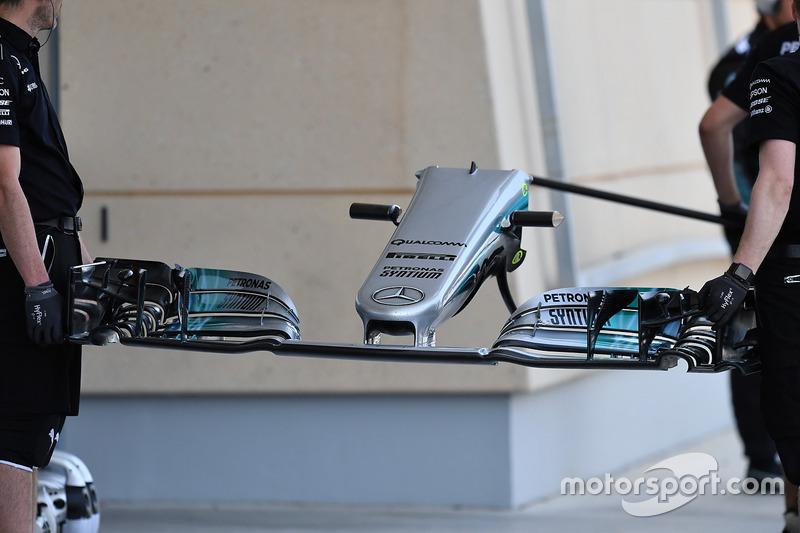 Переднее крыло Mercedes F1 W08