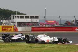 Sergio Perez, Sauber C31 retires after his crash with Pastor Maldonado, Williams FW34