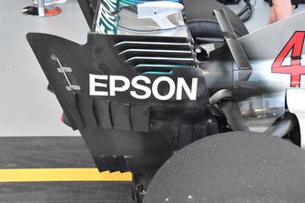 تفاصيل الجناح الخلفي لسيارة مرسيدس دبليو09