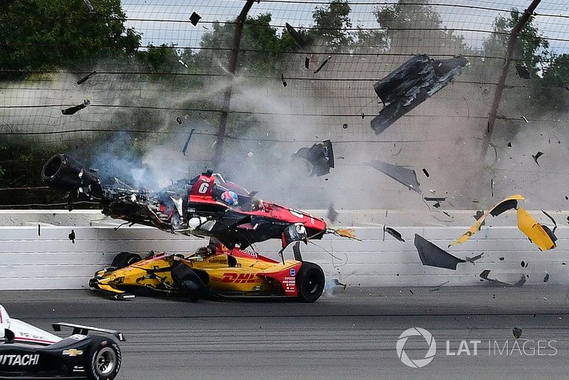 Авария Роберта Уикенса, прервавшая карьеру самого яркого новичка IndyCar