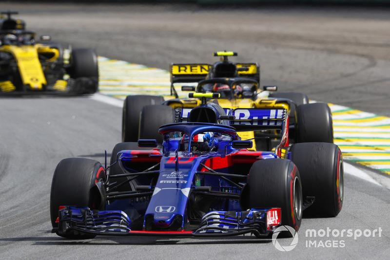 П'єр Гаслі, Toro Rosso STR13, попереду суперників