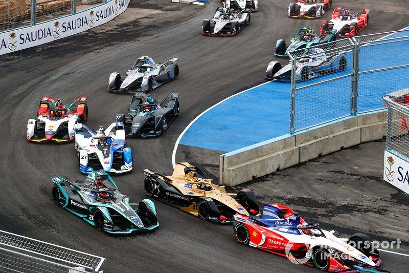 Жером д'Амброзіо, Mahindra Racing, M5 Electro, попереду суперників