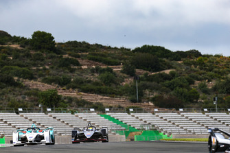 Tom Dillmann, NIO Formula E Team, NIO Sport 004, Oliver Rowland, Nissan e.Dams, Nissan IMO1