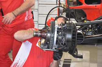 Ferrari SF71H, dettaglio del disco del freno della ruota anteriore