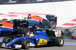 Marcus Ericsson, Sauber C35 crash bij de start