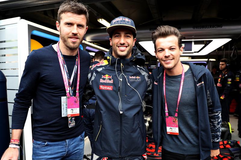 Michael Carrick, jugador del balompié, Daniel Ricciardo, Red Bull Racing y Louis Tomlinson, cantante