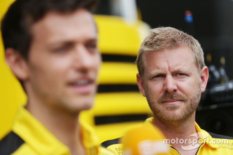Andy Stobart, Addetto stampa Renault Sport F1 Team con Jolyon Palmer, Renault Sport F1 Team