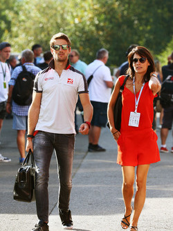 Romain Grosjean, Haas F1 Team avec sa femme Marion Jolles Grosjean