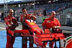 Mecánica de Ferrari con Ferrari SF71H nariz y alerón delantero