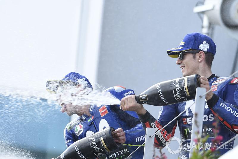 Подиум: обладатель третьего места Маверик Виньялес, Yamaha Factory Racing