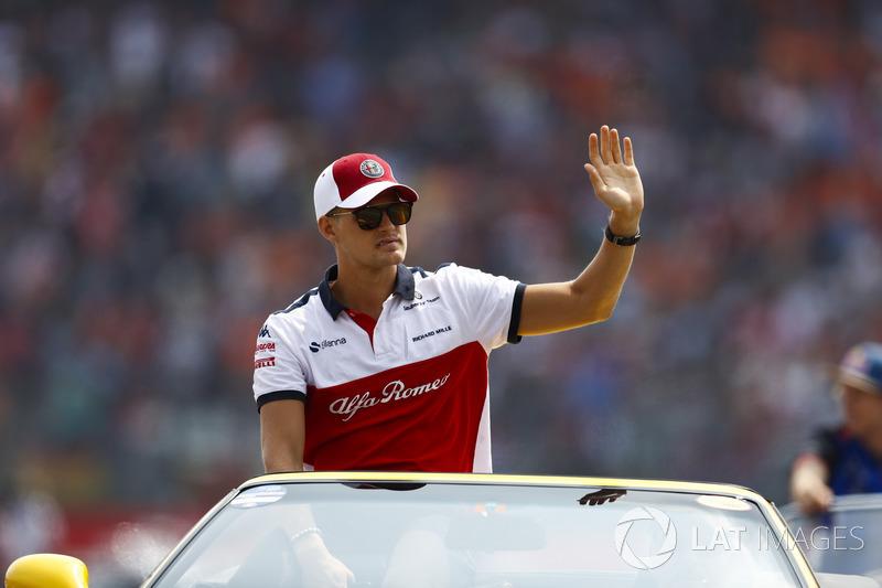 Marcus Ericsson, Sauber, in the drivers parade