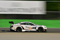#31 Team Parker Racing Bentley Continental GT3: Seb Morris, Derek Pierce, Rob Smith