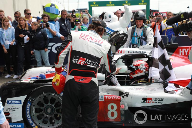 Winners #8 Toyota Gazoo Racing Toyota TS050: Kazuki Nakajima, Fernando Alonso