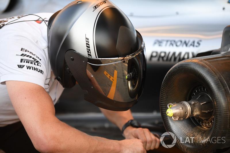 Mercedes-AMG F1 W09, mozzo della ruota posteriore