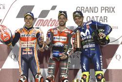 Podium : le deuxième Marc Marquez, Repsol Honda Team, le vainqueur Andrea Dovizioso, Ducati Team, le troisième Valentino Rossi, Yamaha Factory Racing